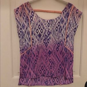 American Eagle patterned top